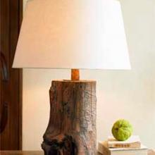 Лампа настольная с абажуром / массив дерева
